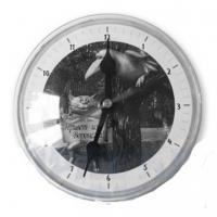 Акриловые часы  на магните под вставку.D-9,5 см.